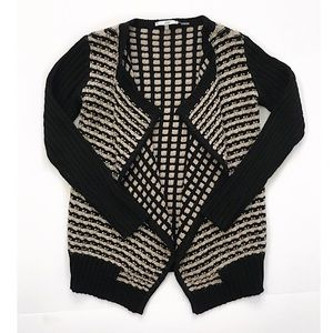 Fly open cardigan sweater size M